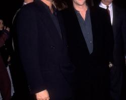 1992-article-99-premiere-4