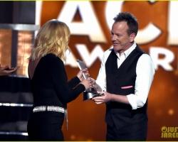 2016 04 03 ACM Awards (7)