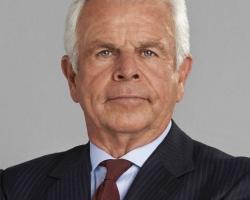 William-Devane-as-President-James-Heller
