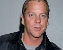 kiefer-sutherland-kiefer-sutherland-arrives-at-lax-from-new-york-01-14-07-ZP3j3Q