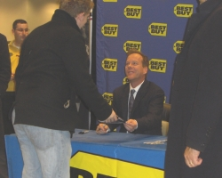 2008-november-25-best-buy-signing-event-photos-by-lisa-3