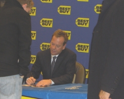2008-november-25-best-buy-signing-event-photos-by-lisa-5