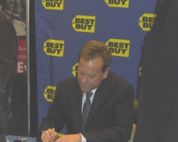 2008-november-25-best-buy-signing-event-photos-by-lisa