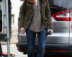 2014-March-31-Filming-24-Emily-Berrington-01