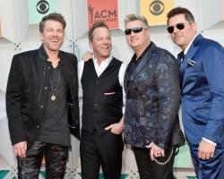 2016 04 03 ACM Awards (1)