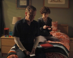 Touch-ep105-Lost_and_Found_sc8-Martin_wakes_up_in_Jakes_bed_0030